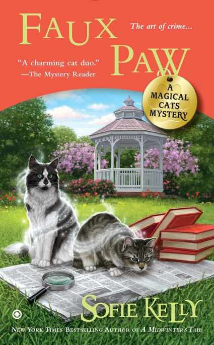 Обложка книги Faux Paw: A Magical Cats Mystery